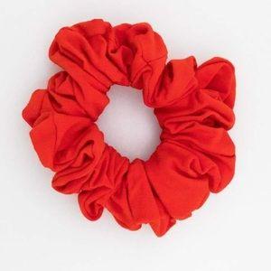 ❤️ 3/30$ American Apparel red scrunchie